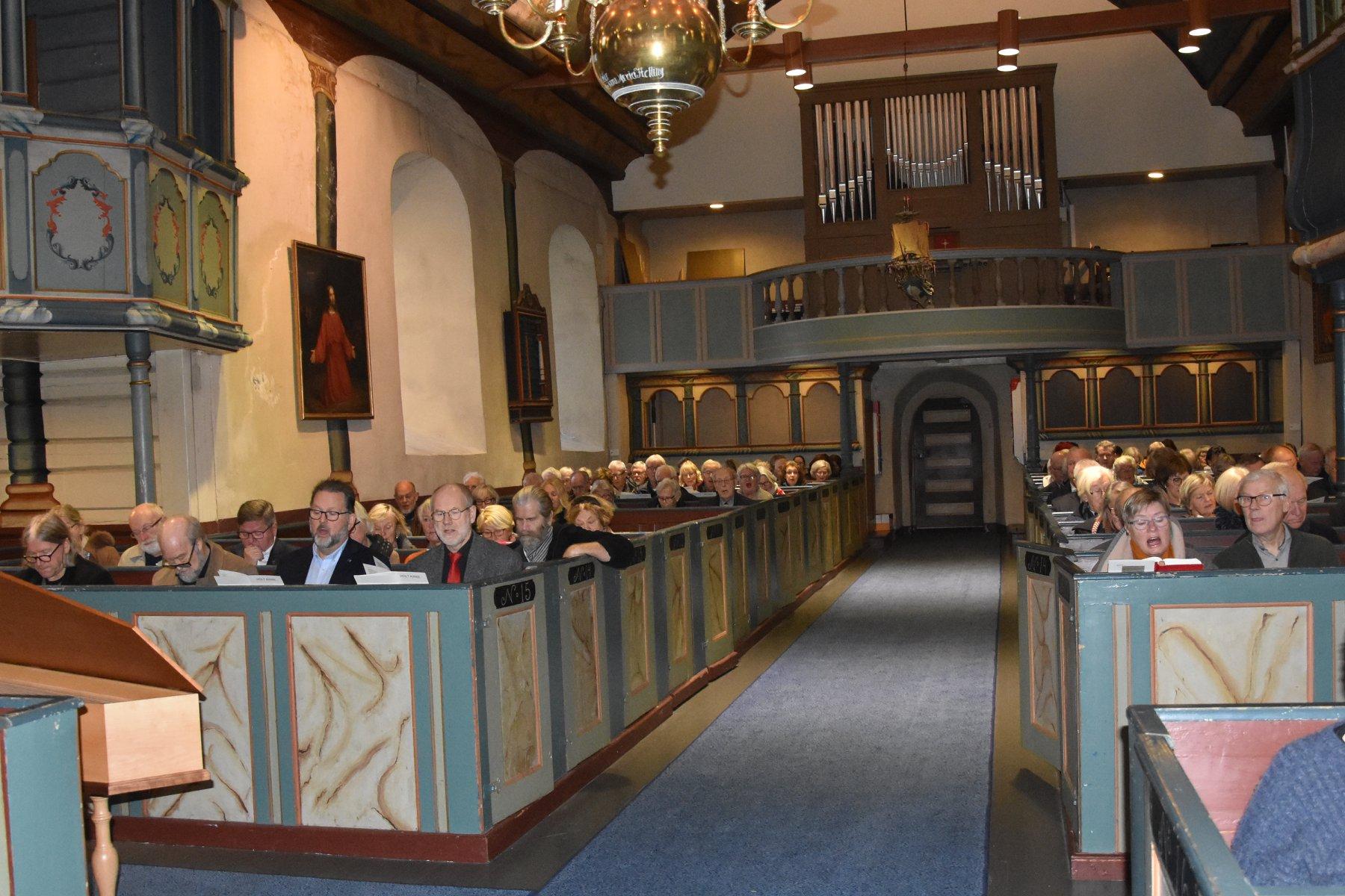 Fra jubileumsfeiringen i Holt kirke søndag 24. november 2019. Foto: Jan Kløvstad